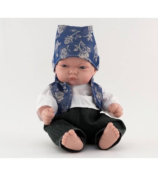 Muñeco bebé vestido con traje regional. Traje con chaleco azul vaquero y pañoleta. 25 cms. Sin pelo