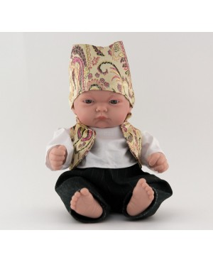 Muñeco bebé vestido con traje regional. Traje con chaleco dorado y pañoleta. 25 cms. Sin pelo