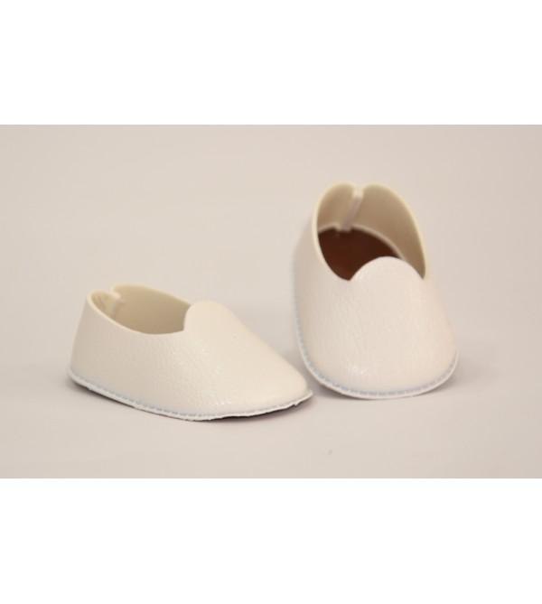 Zapatos blancos de polipiel para muñeca 40 cms