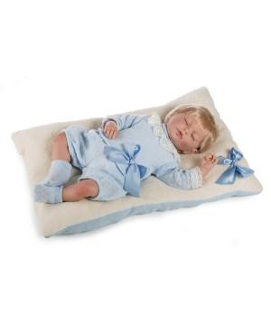Muñeco Baby Reborn Marcos. Traje azul de perlé. 46 cms. 1,800kg. Pelo rubio. Tacto suave