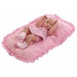 muneca recien nacida con cojin rosa