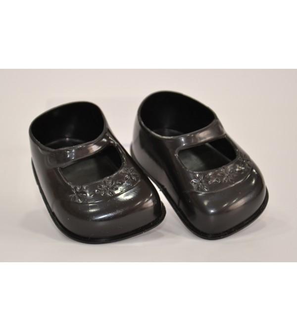 zapatos-negros-para-muneca